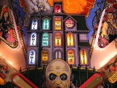 addams-family-gold43-o.jpg