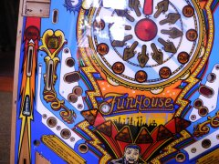 playfield-funhouse-fertig9.JPG